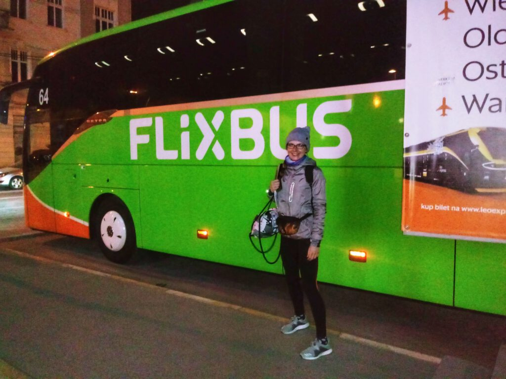 Autobus flixbus na dworcu