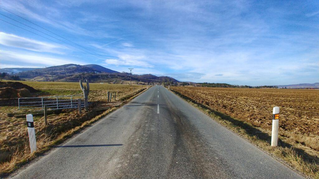 droga między górami