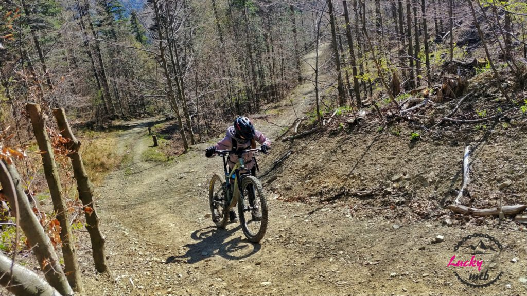 wypych roweru pod górę